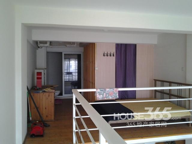 .1米挑高单身公寓
