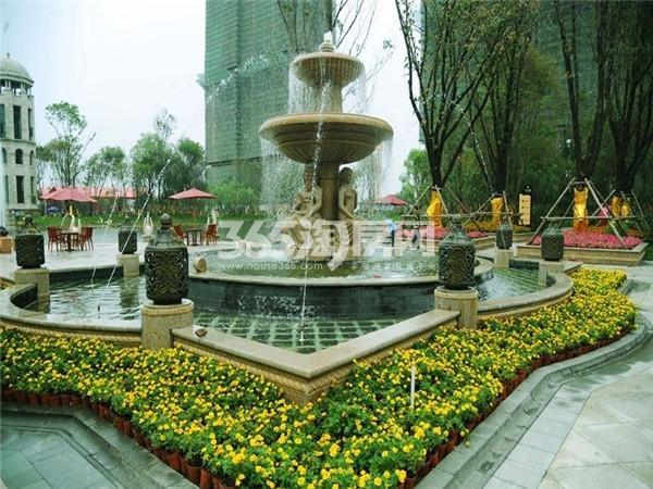 小区喷泉实景  摄于2014.09.03