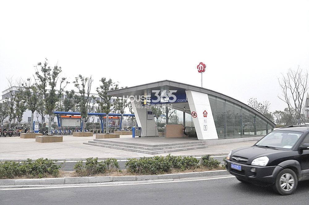 雅居乐滨江国际附近的临江站(2.02)