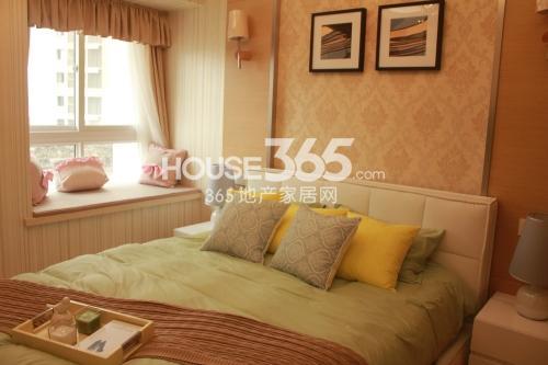 星榈湾两室两厅一卫105-111㎡样板间卧室