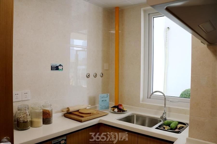 万科海上传奇滨江悦90平样板间—厨房