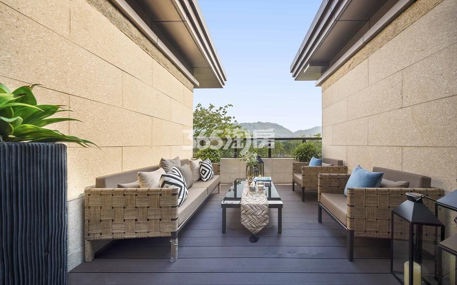 新城香悦公馆P2户型图180方样板房——三层露台