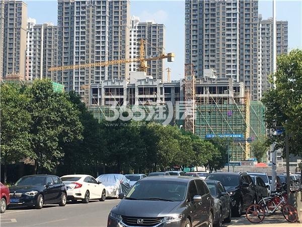 苏宁悦城四期洋房在建实景图-锡师附小北侧(2017.7摄)